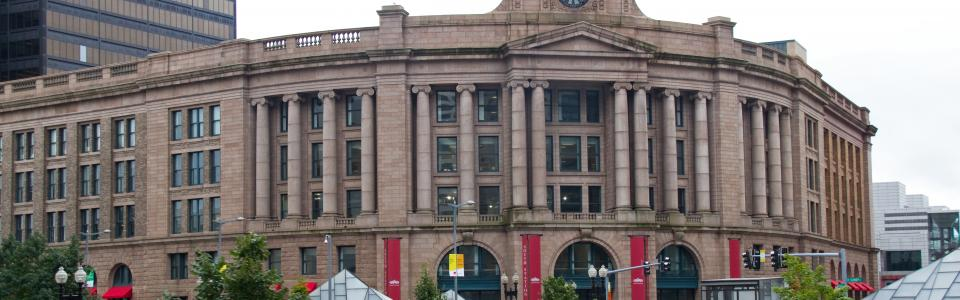 South Station Boston By Tony Hisgett from Birmingham, UK - CC BY 2.0